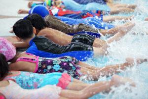 Cursos de natación para niños y adultos